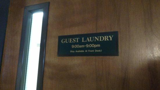 بست ويسترن بوني سولدجر إن - أيربورت: Door to Laudry room