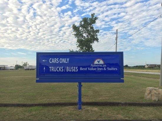 Millbury, OH: Sign