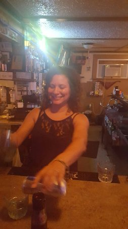 Pewaukee, WI: This girl is an amazing bartender!
