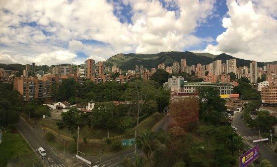 Diez Hotel Categoria Colombia: Esta foto es de la vista desde el hotel, específicamente desde la habitación 318.