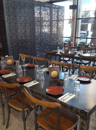 Al aseel restaurant newtown 189 missenden rd newtown for Table 52 reviews