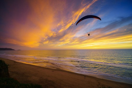 Daly City, CA: Paragliding Sunset!