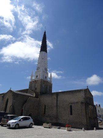 Le Clocher : L'église depuis la terrasse