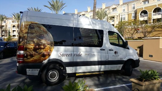 "DoubleTree by Hilton Hotel Santa Ana - Orange County Airport: love the ""cookie"" shuttle bus"