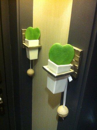 Villa Madame: petit raffinement à l'entrée de la chambre : le cactus -coeur