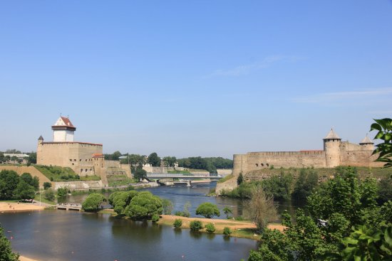 ‪Narva Knights' Fortress‬