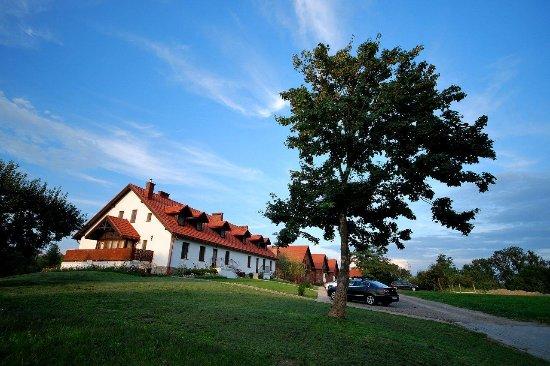 Wine Garden Hotel - Kombornia Manor