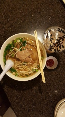 Standard Vietnamese Beef Oodles Pho With Lots Of Beansprouts Spring Onions Picture Of Love Pho N Mor Camarillo Tripadvisor