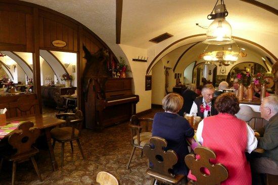 Aldersbach, ألمانيا: Mayerhofer Restaurant binnen
