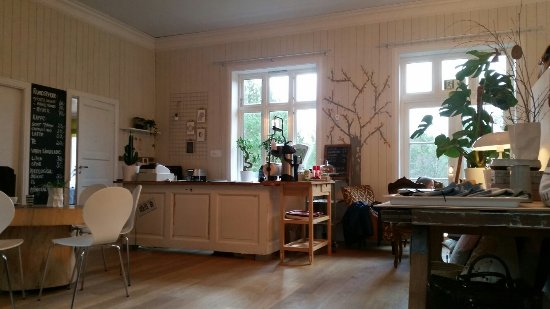 Askoy Municipality, Norwegia: Relaxing cafe with lot of nik naks for sale