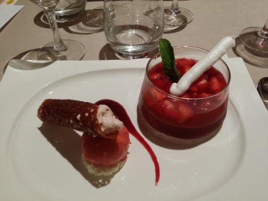 Dunes, France: Soupe de fraise idéal pour finir le repas