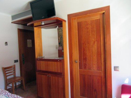 Hotel Placa de la Font: Room