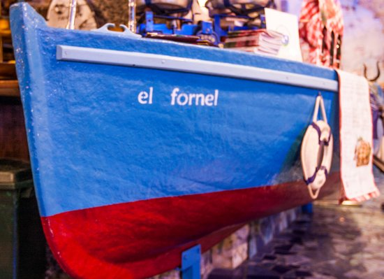 El Fornel : Il simpatico bancone del locale