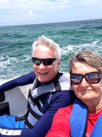 BlueRay : Fun with our own speed boat!