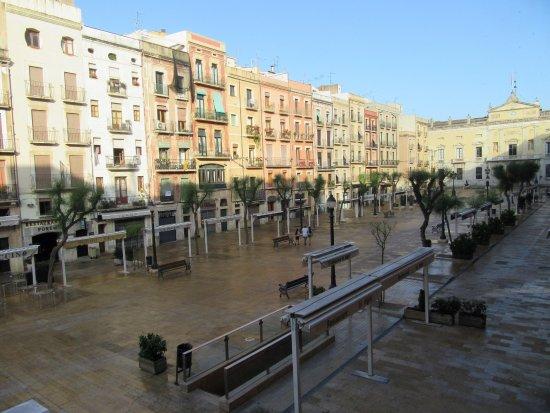 Hotel Placa de la Font: Next Morning Clean Up