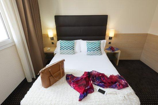 호텔 아포지아 니스