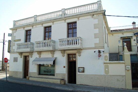 Hotel Rural Restaurante Villa Matilde: Fachada principal