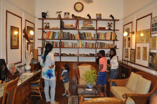 Balipara, Índia: Librarry @ Heritage Villa