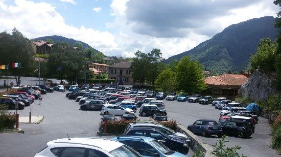 Magreglio, Italia: Il Ghisallino - Parcheggio