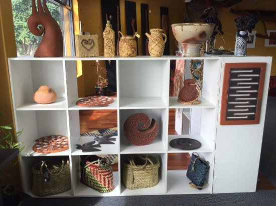 Taipa, New Zealand: Authentic, locally made arts and crafts
