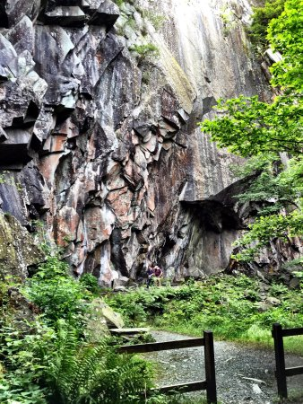 Little Langdale, UK: Cathedral Quarry (Cathedral Cave)