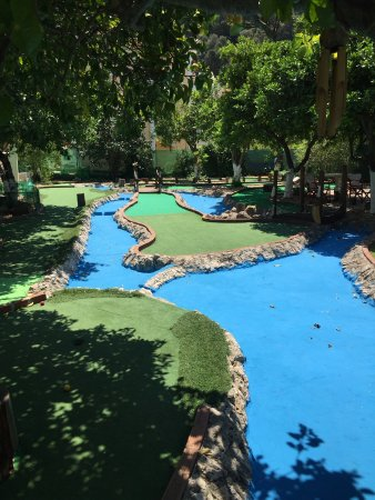 Join Mini-Golf