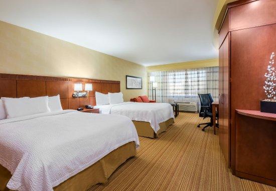 North Wales, PA: Queen/Queen Guest Room