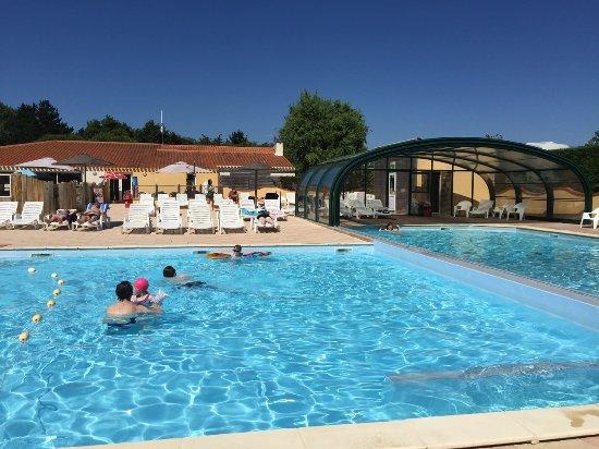 Camping La Trévillière : trevilliere piscine