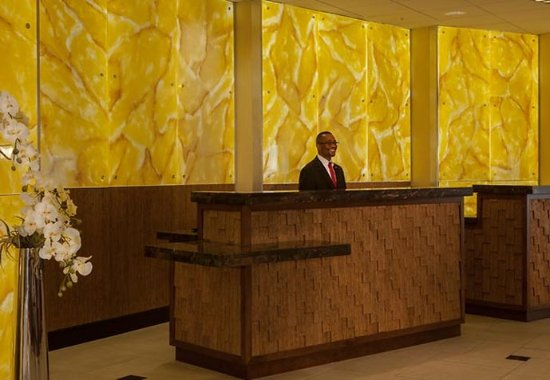 Towson University Marriott Conference Hotel: Front Desk