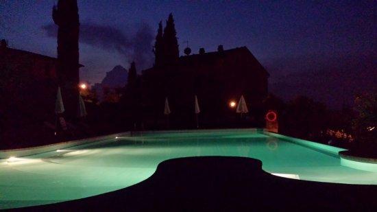 Rigone in Chianti: Pool bei Nacht