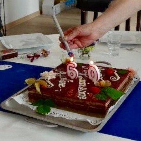 Matignon, Frankrig: gâteau anniversaire