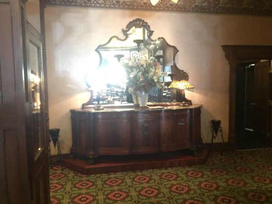 Mahogany Grille : photo2.jpg