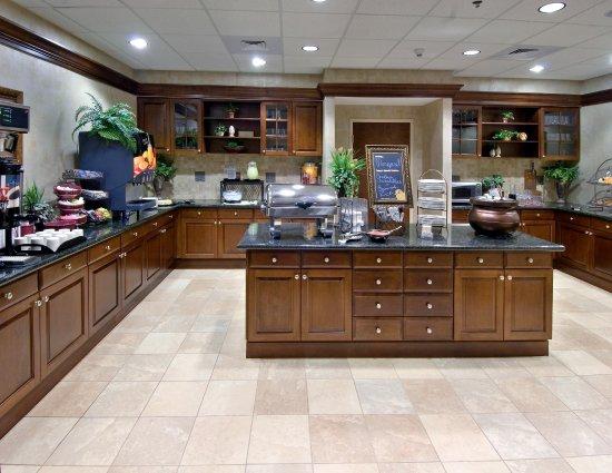 Homewood Suites by Hilton Huntsville-Village of Providence: Breakfast Area
