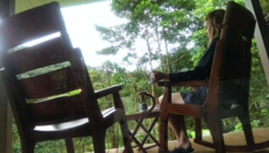 Bajos del Toro, Costa Rica: Front porch bliss with pour-over coffee and rocking chairs.