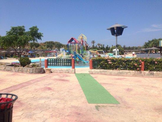 Basen z falami - Picture of Lido Waterpark, Mastichari ...