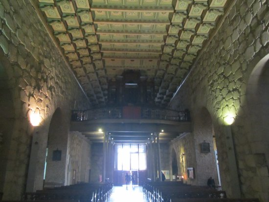San Francisco Church : Looking towards the door