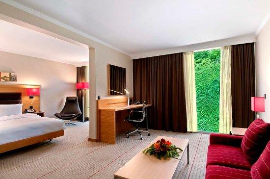 Opfikon, Swiss: Queen Junior Suite