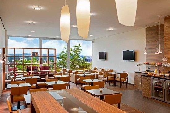 Opfikon, Swiss: Executive Lounge