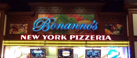 Bonanno's New York Pizzeria: Restaurant Front