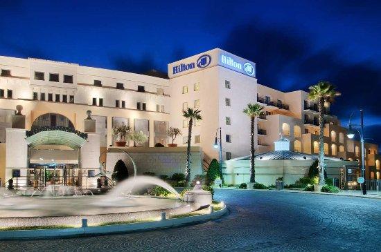 Hilton Malta: Exterior