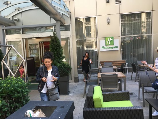 Holiday Inn NYC - Manhattan 6th Avenue - Chelsea: Good location and fast Internet