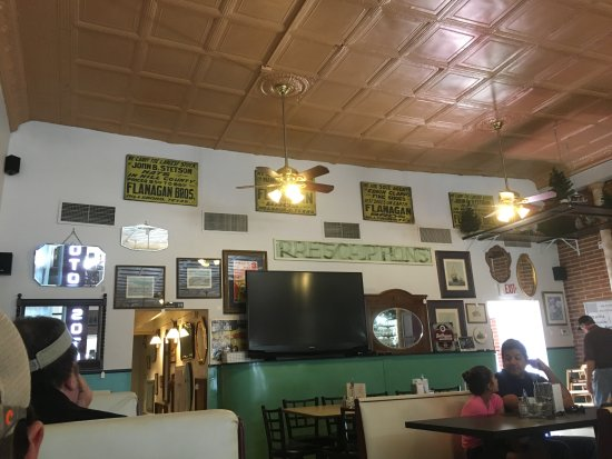 Hillsboro, TX: Look how neat the ceiling is! And all the signs on the wall are super cool!