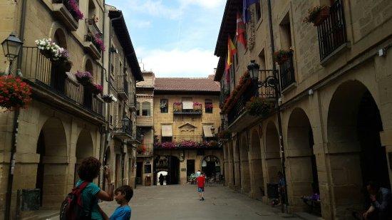El Gaitero Plaza