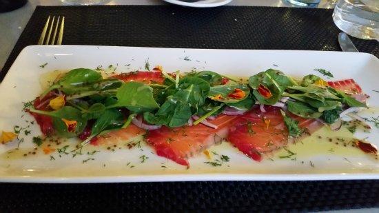 Bakus: Smoked Salmon Platter