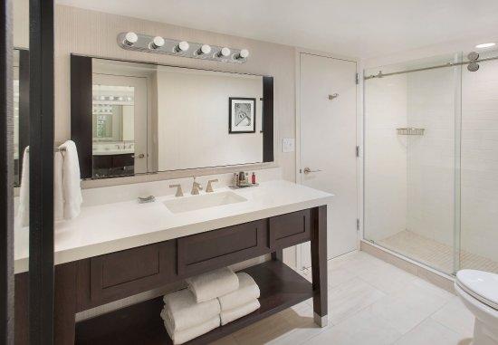 Δυτικό Conshohocken, Πενσυλβάνια: Presidential Suite Bathroom