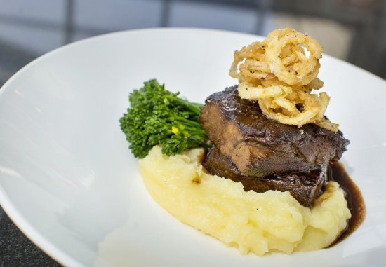 West Conshohocken, PA: Dolls Eye Braised Beef Short Rib