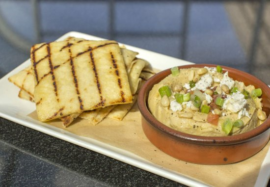 West Conshohocken, Pensilvanya: Hummus with Grilled Flatbread