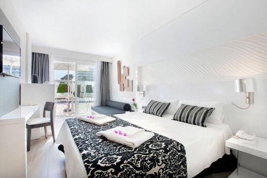 Aparthotel Playa de Muro Suites: Junior Suite Swim Up