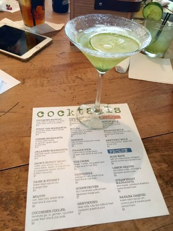 New Buffalo, MI: Loved their cocktail options