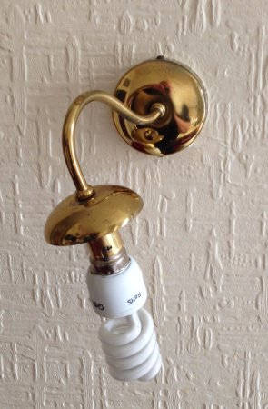 Ilford, UK: Room 37 broken light fittings